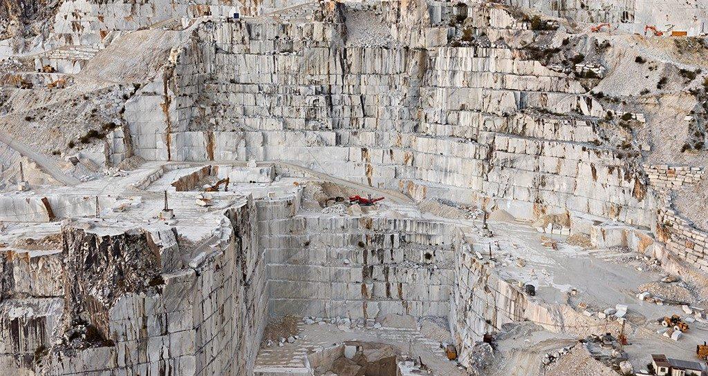 Marmorstenbrud, Carrara, Italien, menneskelige udgravninger