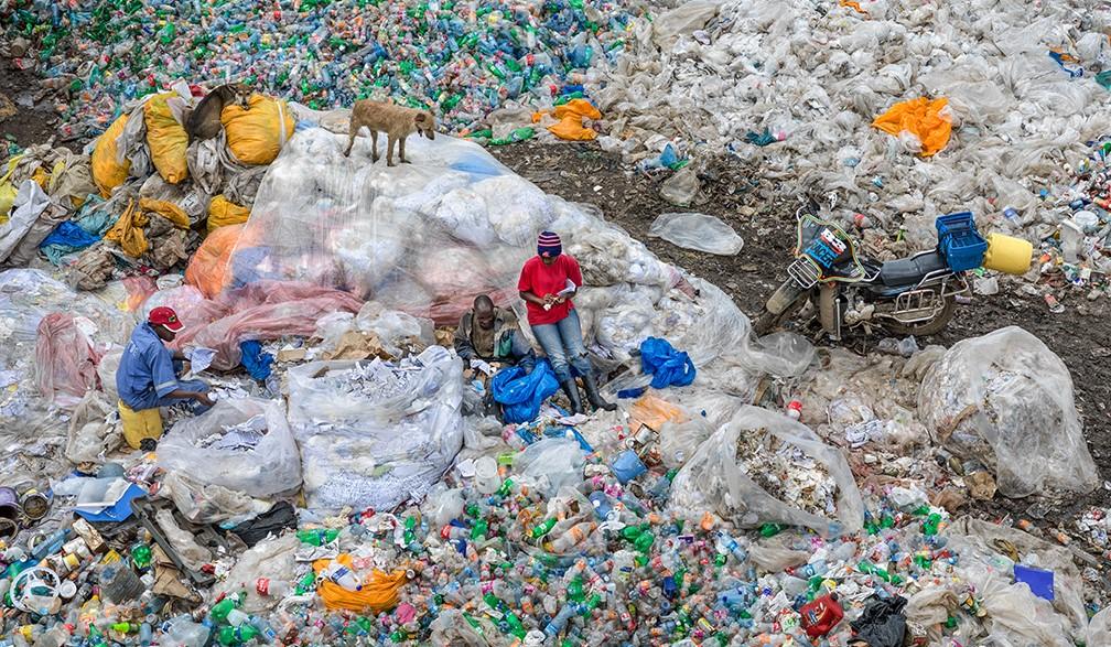 genbrugsplads for plast, Nairobi, Kenya, Edward Burtynsky