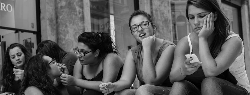 Unge kvinder i Napoli